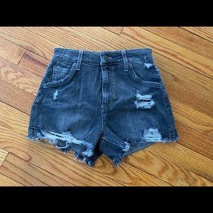 Gray/black Joe's shorts 😍